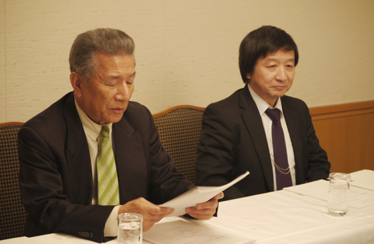 武久洋三会長(左)、池端幸彦副会長